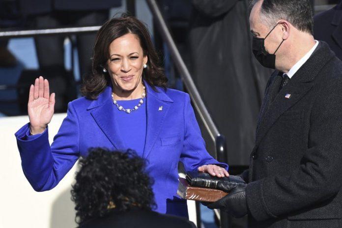 Kamala Harris wearing purple on inauguration day 2021